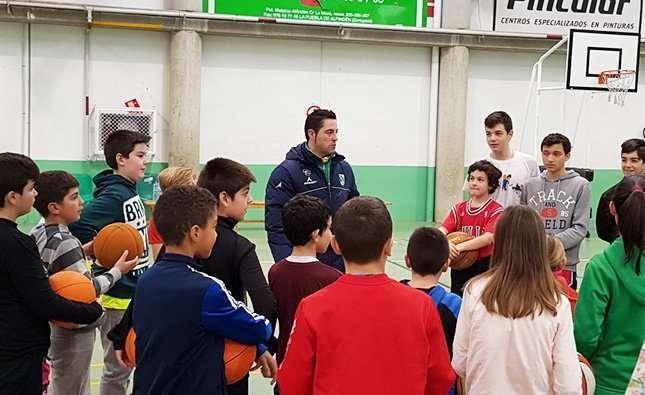 Víctor Lapeña participará en la I Jornada Navideña de Basket