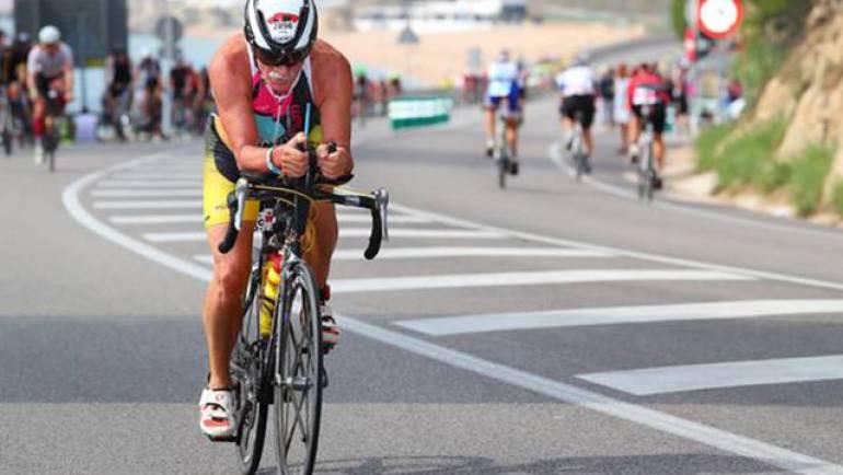 Víctor Barón se prepara, a sus 67 años, para su cuarto Ironman
