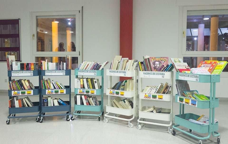 Los seis vagones de lectura iniciales de la iniciativa Puntos de Lectura