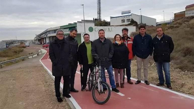 La Puebla estrena el primer tramo de carril bici que conectará con Zaragoza
