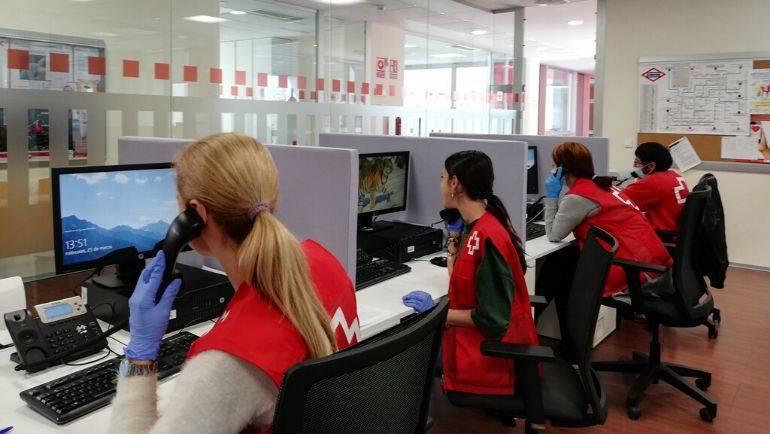 'Cruz Roja te escucha', un servicio de apoyo psicosocial frente al COVID-19