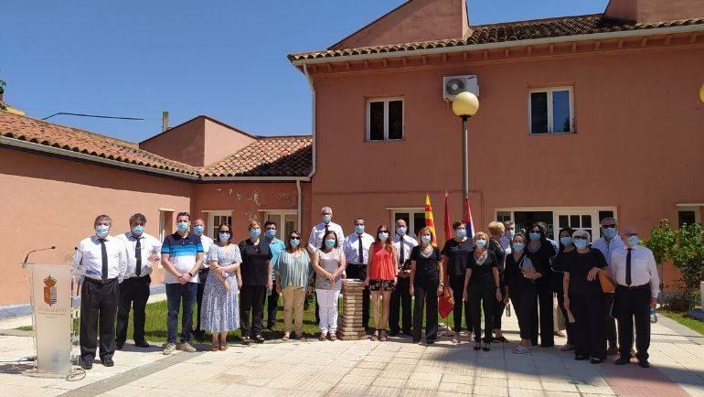 El Ayuntamiento de La Puebla se unió al homenaje por las víctimas de la Covid-19